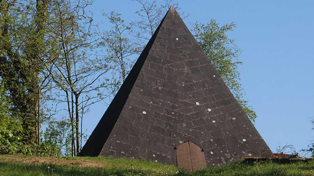 kinnitty pyramid Ardmore Country House B & B Birr offaly