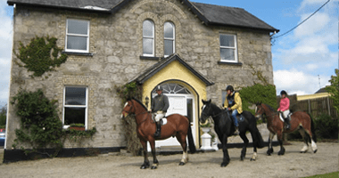 Horse Trekking Ardmore Country House