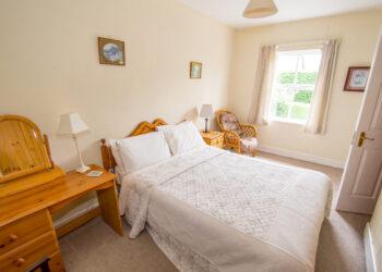 Double Bedroom O Brine's Holiday rental
