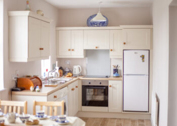 Kitchen in O Brien's Holiday Cottage Kinnitty